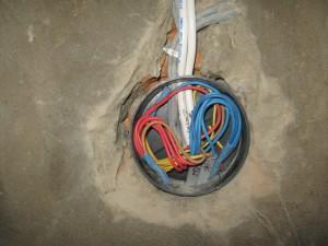 Укладка проводов в распредкоробке